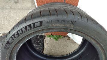 325/30/19 Michelin PS4S tires